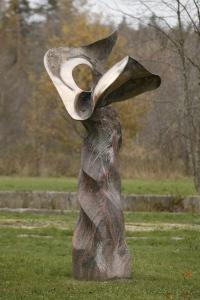Carelia (2000, Carelian red and black granite & bronze)295 cm)